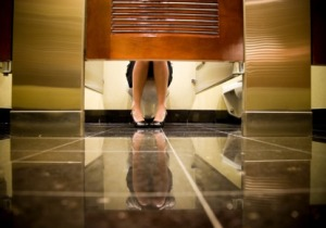 0414_bathroom-stall-embarrassing_485x340